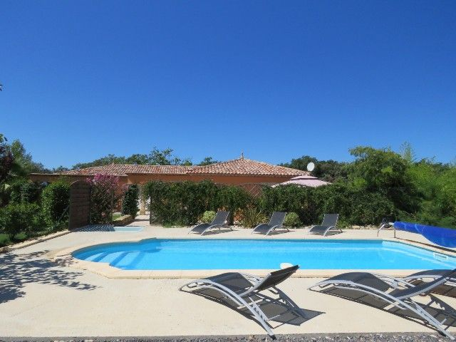 L'Acacia, Villa with pool in Plaissan | Moerland Holiday Rentals