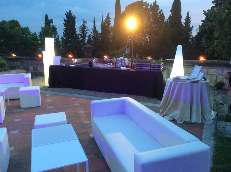 White faux leather sofa's sets - lounge or garden furniture / Divani in ecopelle bianchi #guidilenci All Rights Reserved GUIDI LENCI www.guidilenci.com in collaboration with Alma Project