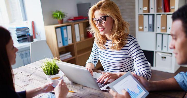 Kurang dari 3 bulan mendekati akhir tahun saya pikir masih ada waktu untuk memperbaiki kondisi penjualan online anda sehingga target anda tahun ini bisa tercapai. Terkadang cenderung menyerah dengan kondisi yang ada atau kurang berani mengambil langkah inisiatif untuk merubah rencana yang dinilai kurang efektif untuk toko online anda.  Anda bisa lihat dan koreksi dari beragam sisi seperti contohnya:  Nominal Penjualan  Kepuasan Pelanggan  Proses Pengiriman  Pemasaran  Efesiensi Kampanye…