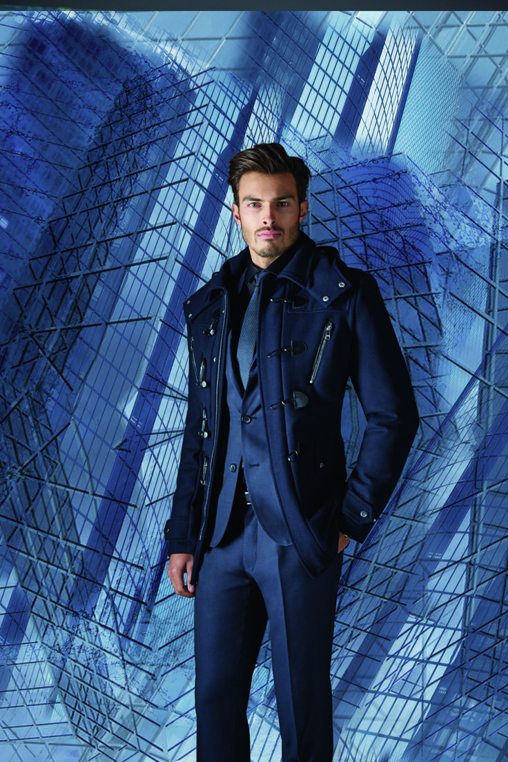 Men style - IZAC Paris http://www.izac.fr/fr/pret-a-porter-homme/architektur.html #manteaunavy #dufflecoat #bluecoat