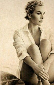 Kate Winslet--LOVE this shot--the lighting, hair, pose...