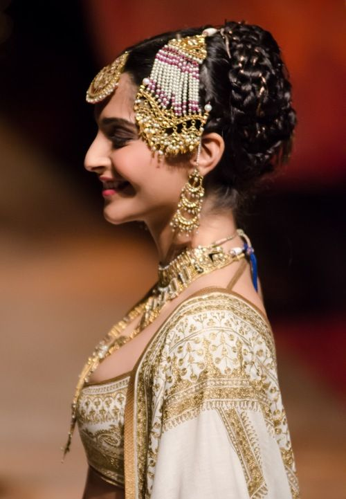 Sonam Kapoor in Rohit Bal for India Bridal Week. Beautiful head gear complements traditional wear. http://www.shaadiekhas.com/