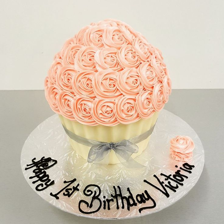 Light pink Roses with White Chocolate Cases