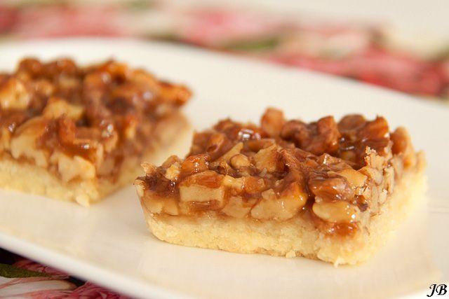 walnoten plaatkoek met honingkaramel