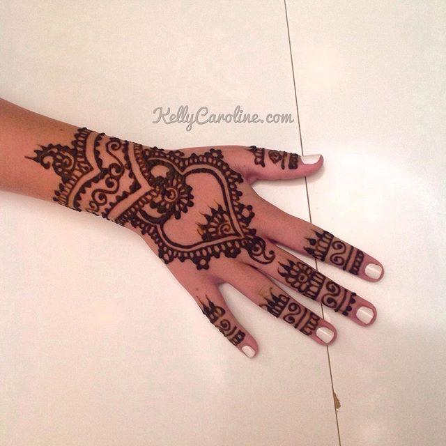 Loving That Cuff To A Mandala Design Henna Hennas Tattoo Tattoos Hennaparty Hennaartist Art Artist Kellycaroline Michigan Michiganhenna