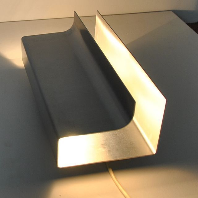 Pierre Vandel; Bent Sheet Metal 'Architraaf' Wall Light for RAAK, 1960s.