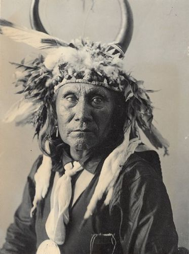 Lisha-Lalahikots (Brave Chief) with peace medal and headdress. Part of Caddoan and Pawnee Tribes