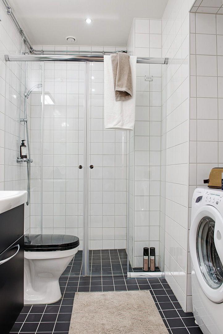 Tidlöst renoverat badrum med tvättmaskin (-10)