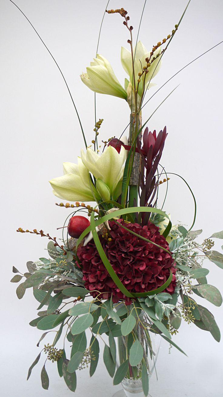 """Blumengroßhandel Ritzka: Floristik """"Amaryllis Variationen"""" Die prachtvollen Blüten der Amaryllis in ihrer farbigen Vielfalt sind ein echter Blickfang inmitten herbstlicher und festlicher Floristik. Lassen Sie sich von unseren Amaryllis Variationen inspirieren."""
