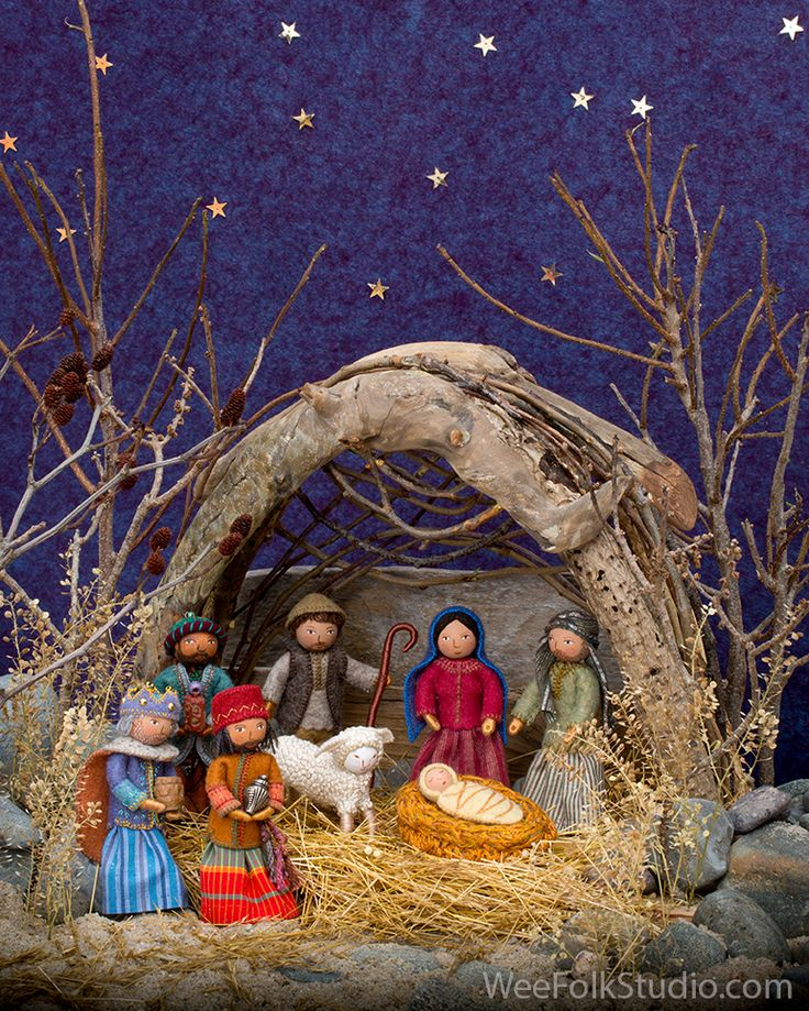 I know it's rushing the season, but for those of you who celebrate Christmas, it's time to get started on making a nativity scene, so that you have it ready to display during the holidays. This set...