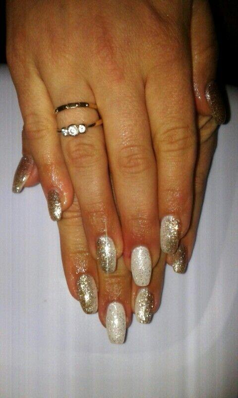 Unghie gel Bianco e Oro Total glitter molto luminose
