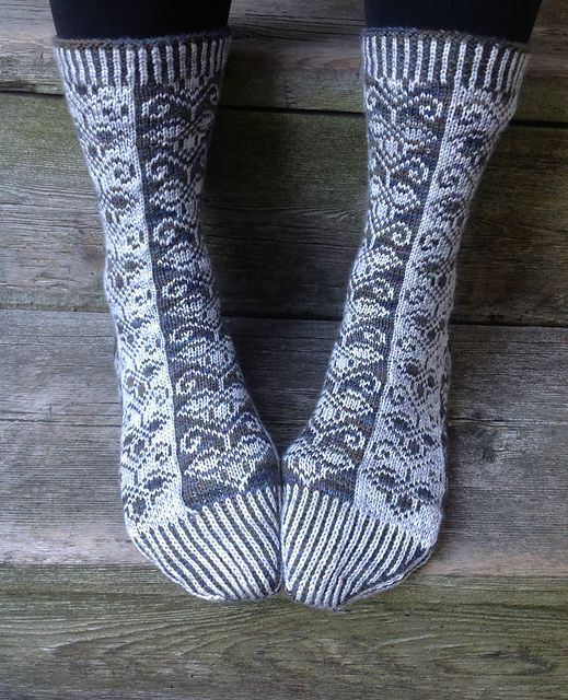 Guild Socks by Lesley Melliship, free pattern download from Ravelry