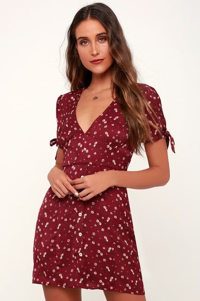 f85ac7ad79c Maley Wine Red Floral Print Tie-Sleeve Skater Dress
