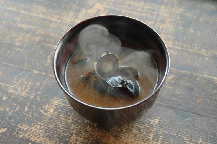 しじみの味噌汁の写真