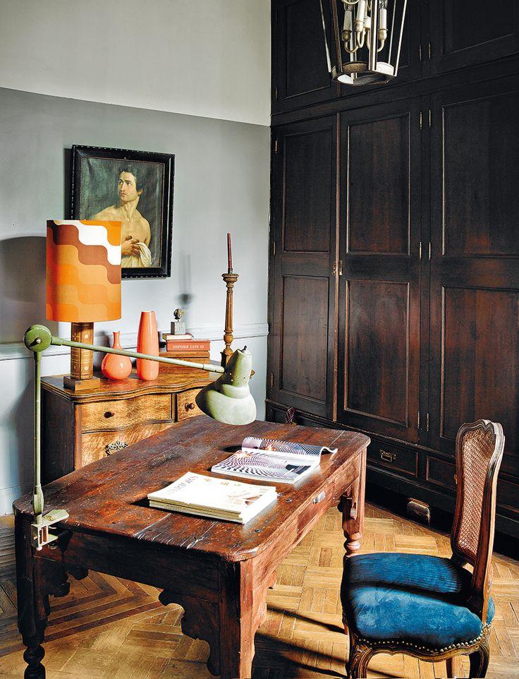 Mesa de convento usada como escritorio. Casa histórica del 'DF', por el decorador Dirk Jan Kinet. AD España, © Pablo Zamora