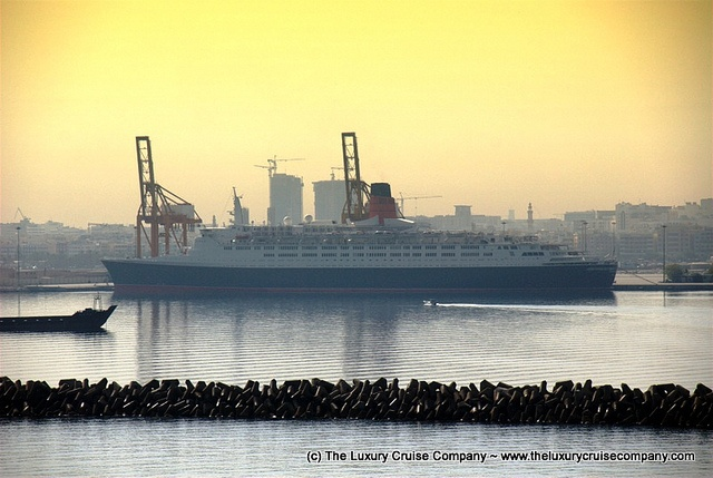 The QE 2 - Cunard Liner seen in Dubai, via Flickr. http://www.theluxurycruisecompany.com/cruiselines/cunard-cruise/