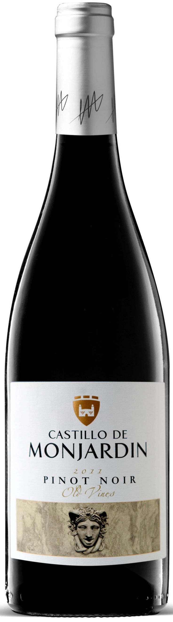 Castillo de Monjardin Pinot Noir 2011—with its too-good-to-be-true price, too oaky and way too harsh, lacking the grace and subtlety that should define this varietal; enjoyable only after a long time to breathe, and only with a side of blue cheese; PLN 35 from El Catador