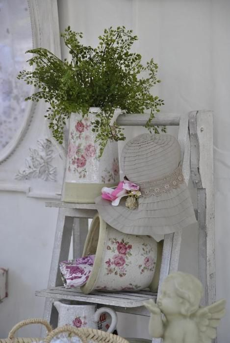 Ladder with vintage rose containers: Ladder, Romanticshabbi Chic, Vignette, Pink Rose, Vintage Rose, Romantic Shabby Chic, Great Ideas, Beautiful Things, Vintage Style