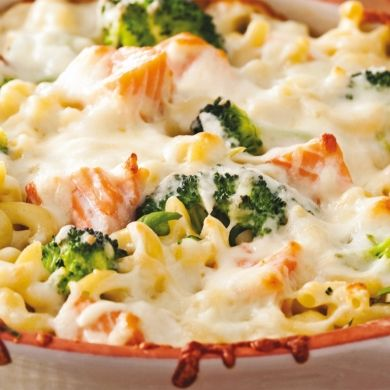 Gratin de macaronis au saumon et brocoli