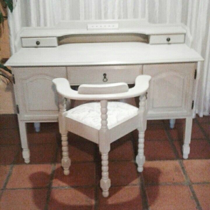Desk and chait done with Annie Sloan old white