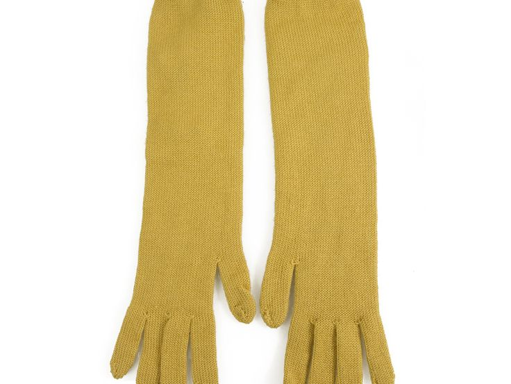 Missoni Women's mustard yellow cashmere & Silk Long Gloves excellent condition M Missoni presents these amazing winter cashmere and silk gloves for those cold days!!  With an amazing mustard yellow color these amazing gloves will surely upgrade your
