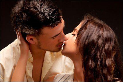 """Любовь - это не двое на аватарке, не клятвы на стене, не """"семейное положение"""", а то, что навсегда!"""