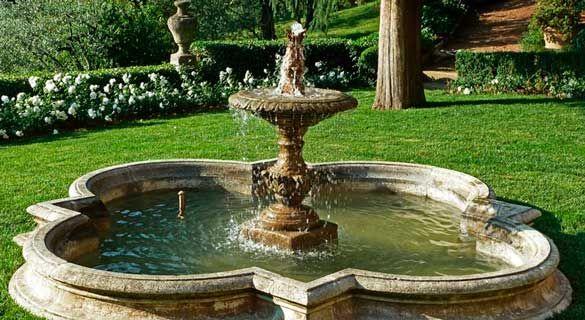 Fontana per giardino in collina