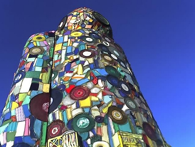 """""""Stan"""" by Finley Fryer at Coachella 2004.  Made of stained glass and some faux and real 12"""" records"""