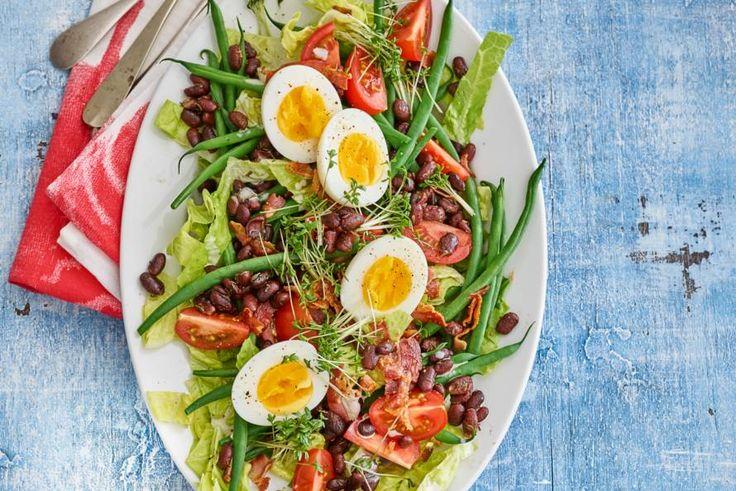 Kijk wat een lekker recept ik heb gevonden op Allerhande! Maaltijdsalade met spek, haricots verts en gebakken rode kidneybonen (advertorial)
