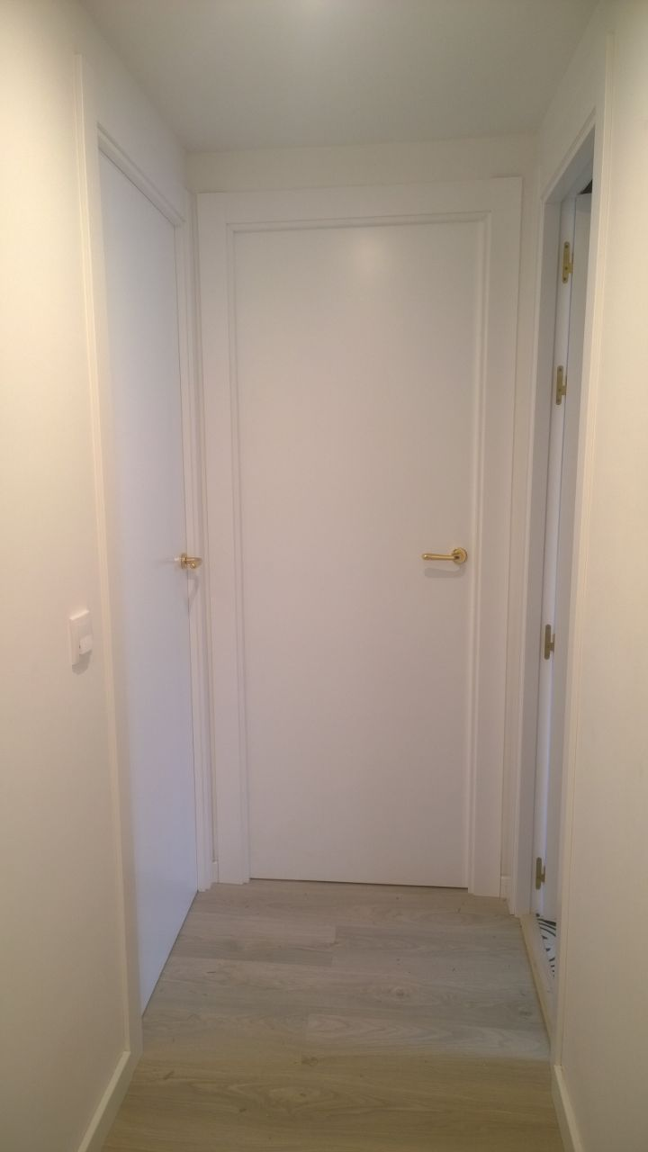 39 best images about puertas lacadas on pinterest - Puertas blancas con rayas ...