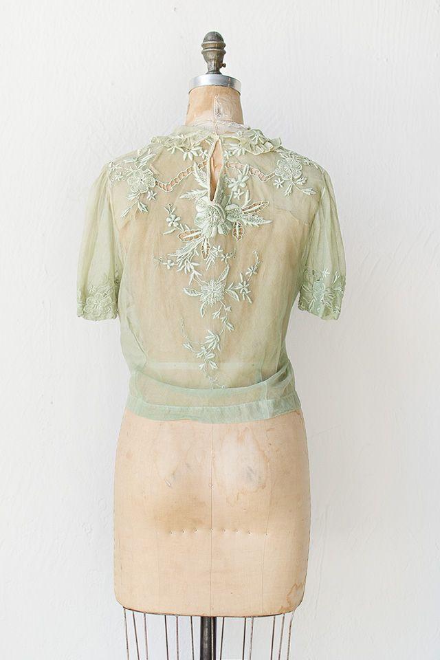 vintage 1930s pale green lace blouse