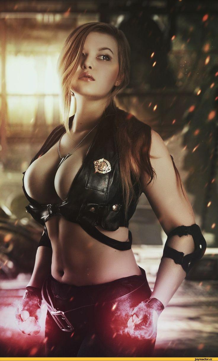 Sexy Mortal Kombat Cosplayer