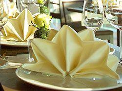 http://www.dekoration.de/deko-bilder/serviette-zickzack.jpg