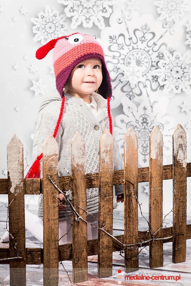 dziecięca fotografia studyjna Święta Bożego Narodzenia, prezenty, czerwony kapturek