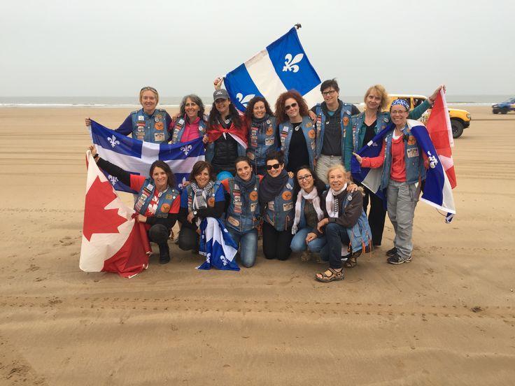 Les équipages canadiens réunis pour une photo à Essaouira! (Radio-Canada/Christian Doucet)