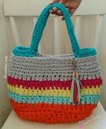 Tecendo Artes em Crochet: Bolsa de Praia com Fio de Malha - A Primeira que Fiz!