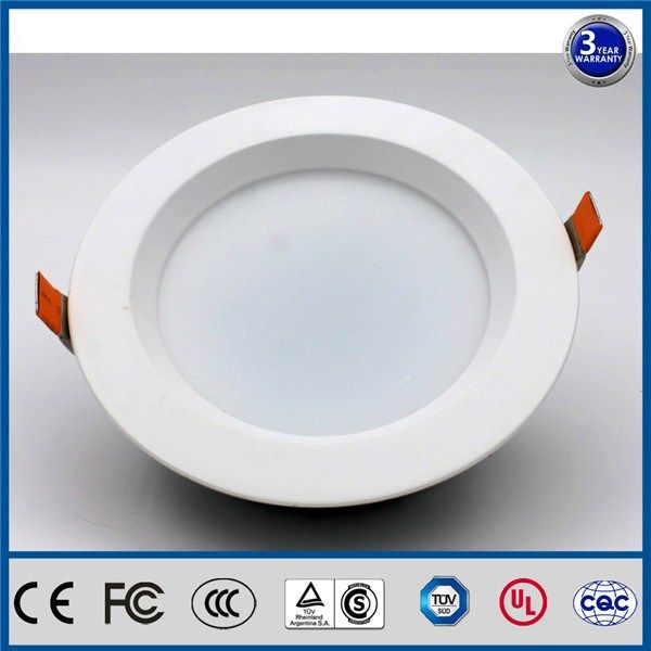 Wholesale IP44 dimmable 90degree beam angle tilt reccessed 4 inch led retrofit downlight in Angola  I