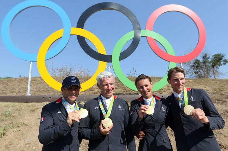 Or: saut d'obstacles par équipes (Roger Yves Bost, Pénélope Leprévost, Philippe Rozier, Kévin Staut)