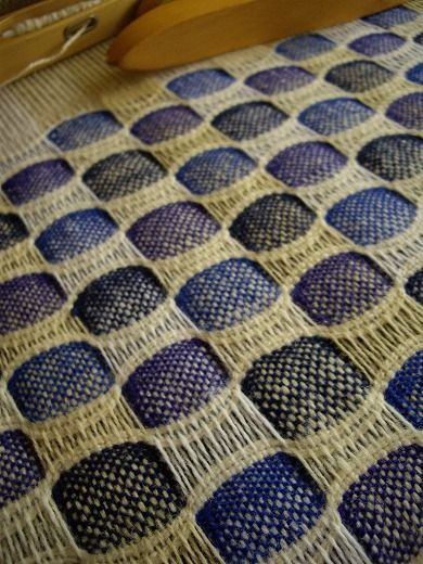 honeycomb, still under tension on the loom - wonder what it would be like after wet finishing?