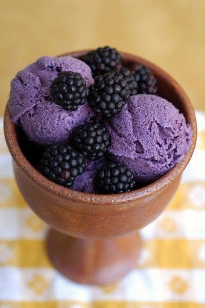 Blackberry frozen yogurt made with Greek yogurt