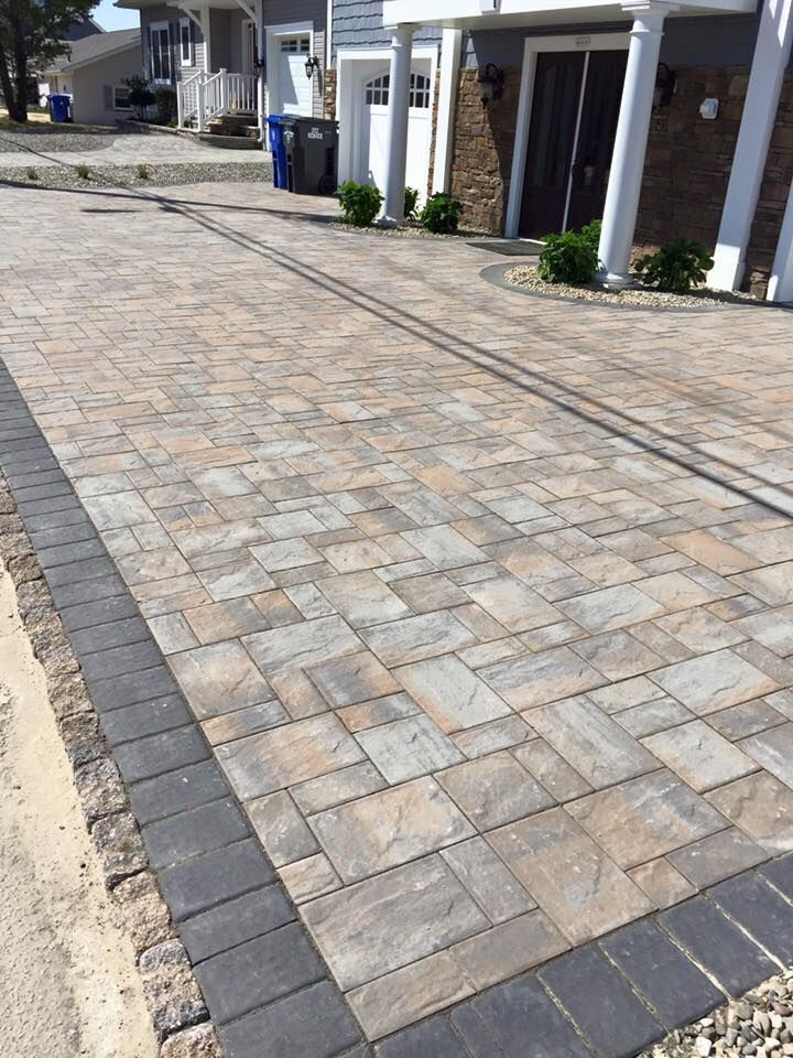 Allow yourself to have a beautifully created Cambridge Pavingstone driveway.