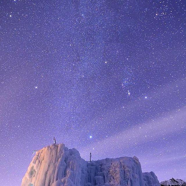 Instagram【raychell_29】さんの写真をピンしています。 《友達が写真を撮ってる頃 私はすでに夢の中、、、 送ってもらったこの写真を見て 心底後悔しました(´・ω・`) ▲△▲△▲△▲△▲△▲△▲△▲△▲△▲△▲△▲△ 2017.01.21-22 赤岳 #赤岳鉱泉#赤岳#八ヶ岳#アイスキャンディー#アイスクライミング#星空#夜景#星#天体#宇宙#雪山#山#登山#雪#自然#山ガール#山女#岳女#アウトドア#一眼レフ#mountain#snowmountain#snow#iceclimbing#star#icecandy#nature#outdoor#japan ▲△▲△▲△▲△▲△▲△▲△▲△▲△▲△▲△▲△ ちなみに… 山の専門家に見てもらったら 凍傷だと(´・ω・`) 山でのことは皮膚の専門家より 山の専門家に聞く方が説得力もあり間違いないと思いました レイヤリングなどいろいろ改善が必要… 軽傷だし勉強になったのは良かったですが 気をつけます》