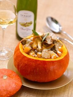 Potiron farci au veau et aux champignons, sauce crémeuse au Pinot Gris d'Alsace