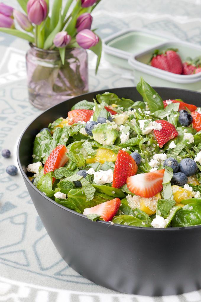 Bunter Low Carb Salat Mit Fruchten Quinoa Avocado Und Feta Rezept Salat Mit Fruchten Gesunde Salate Quinoa
