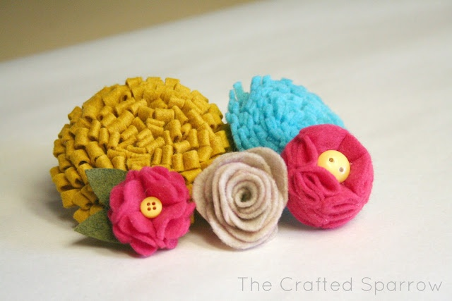 The Crafted Sparrow: Felt Flowers Tutorials {5} to choose from