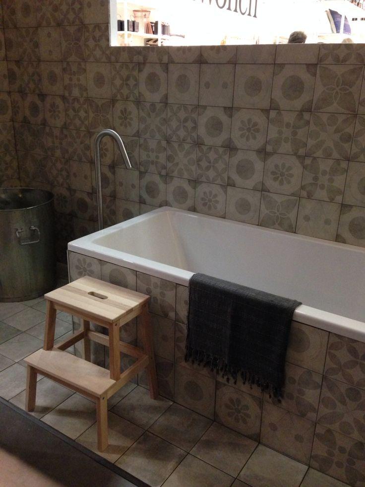 Wouw .... Deze tegels kunnen in elke ruimte verwerkt worden ..... VT wonen collectie ook te zien bij Van Dijk Tegels Dordrecht
