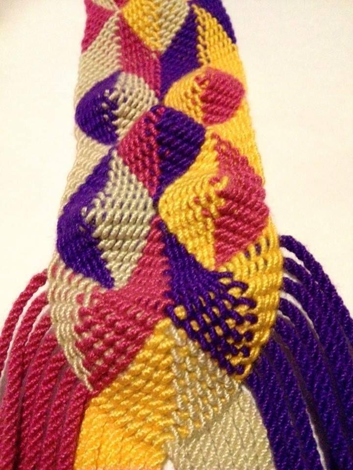 avanzando con el tejido wayuu