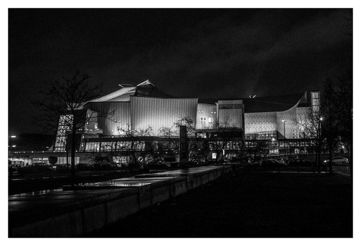 Berliner Philharmonie, Berlin   Hans Scharoun #berlin #berlinerphilharmonie #philharmonie #music #blackandwhite #architecture