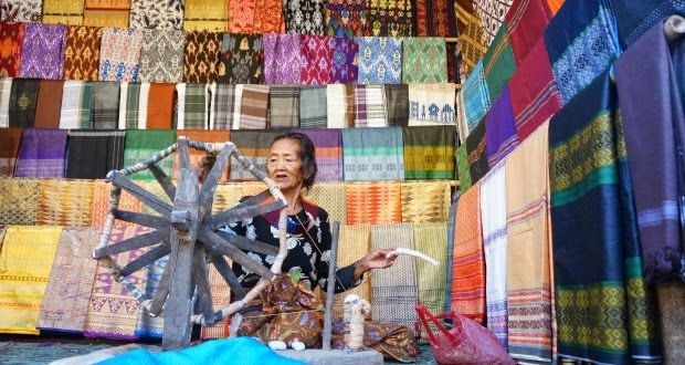 OmahTENUN: Industri Kain Tenun Sebagai Warisan Budaya Bangsa