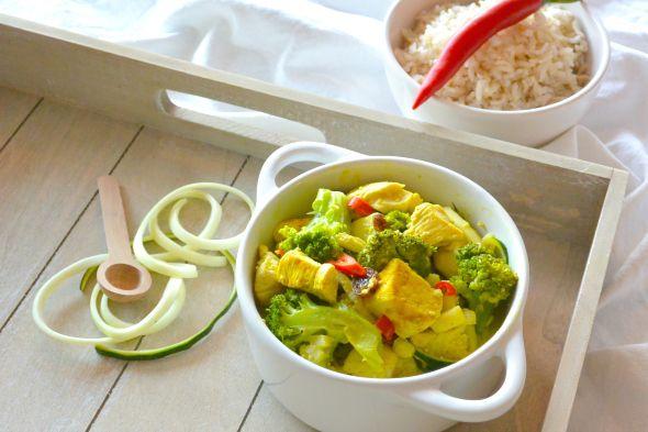 Easy en gezonde kip kerrie salade.